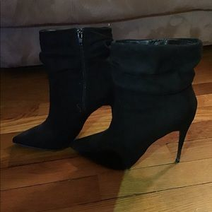 Size 9.5 black suede boots JustFab